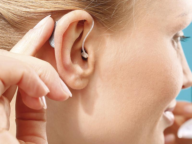 Como poner y quitar los audífonos