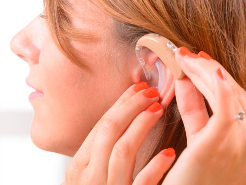 ¿Cómo funcionan los audífonos?